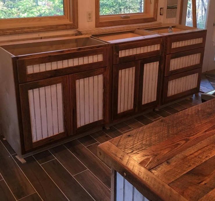 Barn Wood Cabinets, Flat Pack Cabinets, RTA Wood Cabinets, Custom DIY Cabinets, Cabinets to Go, Rustic - Reclaimed Wood, Made in USA, Skaggs Creek Wood Shop