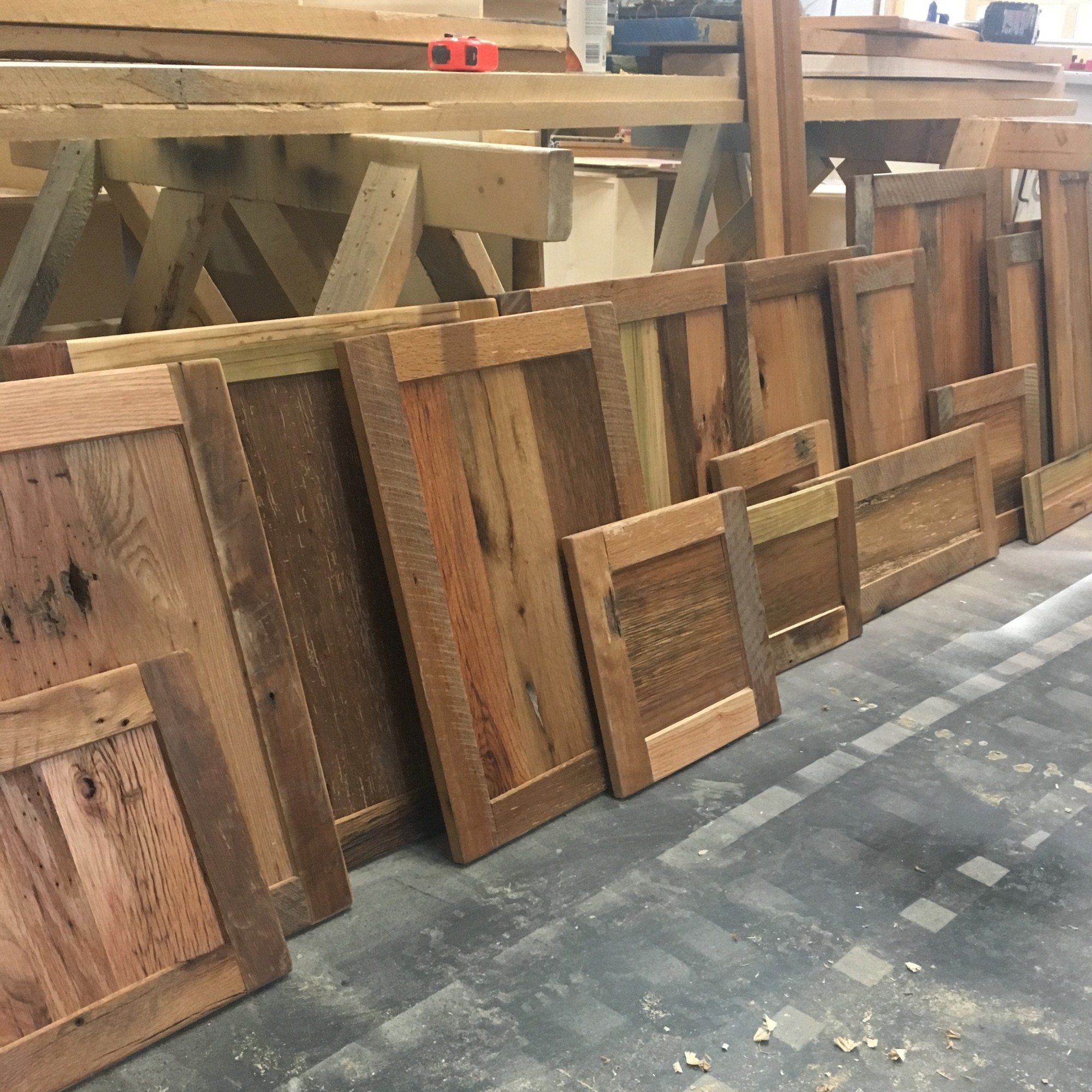 Kitchen Cabinet Refinishing - Tazewell, TN, Morristown, TN, Knoxville, TN, Middlesboro KY, Pineville KY, Home Remodeling - Wood Working - Reclaimed Wood