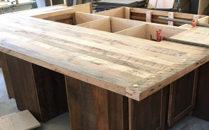 Skaggs Creek Wood Shop offers a wide range of custom made kitchen cabinets, islands, and tables, indoor and outdoor wood furniture, and home goods. Get in touch with us to talk about your project. Drop us a message or old-fashioned phone calls work too — (865) 585-4513.